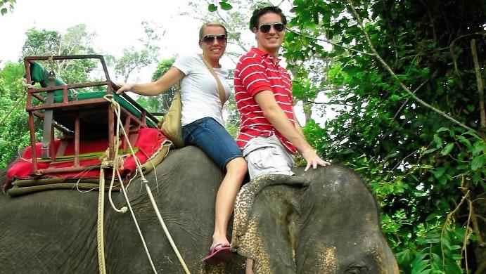 john-alicia-elephant-thailand