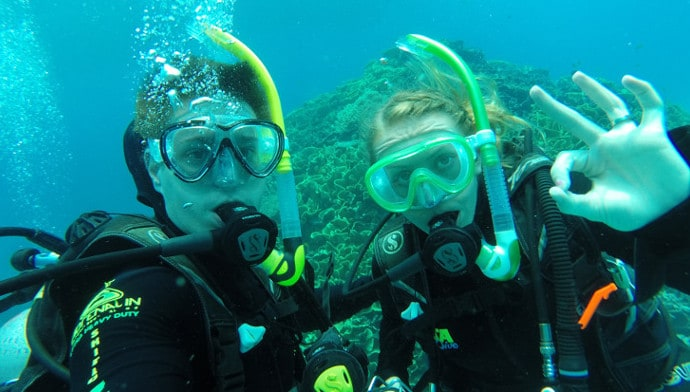 Alicia & John - Great Barrier Reef - GoPro underwater Selfie