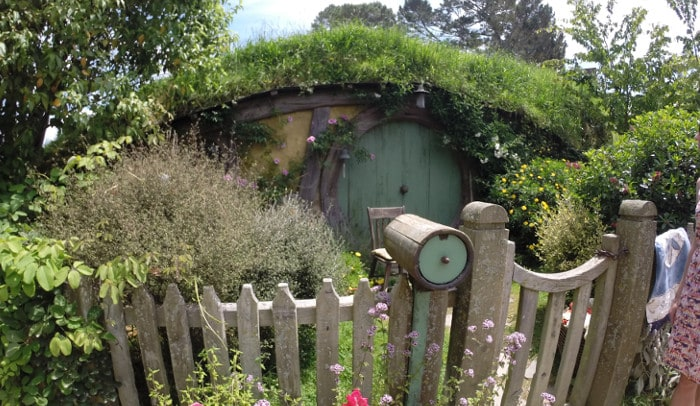 Hobbit hole in Hobbiton, NZ